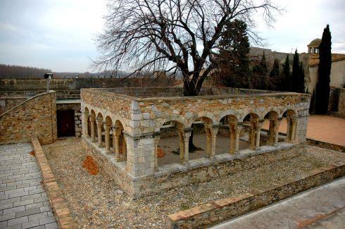Peralada_-_Claustre_Museu_Sant_Domènec