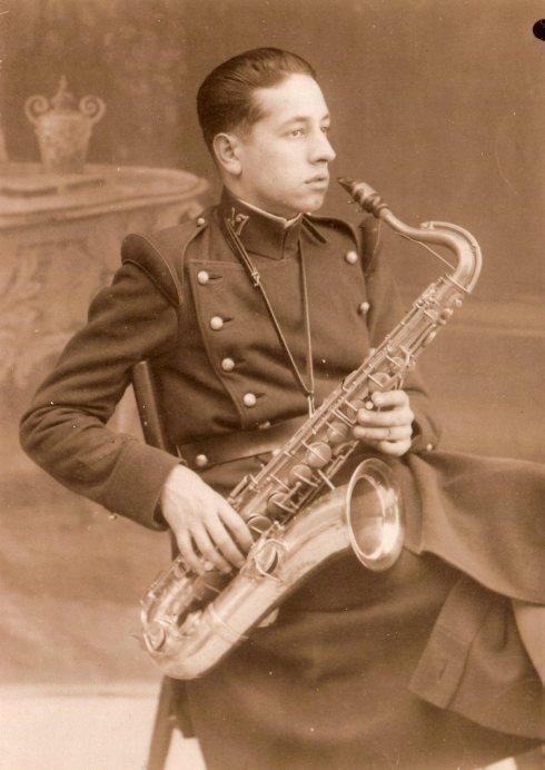 (2) Miquel Varela